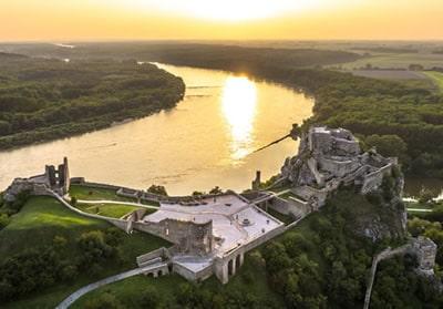 Burg von Devín Naturbestattung